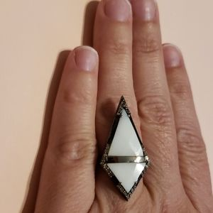 Adornia Size 8 Ancestry Statement Ring White Agate